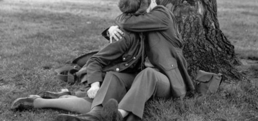 wartime kissing ATS illicit soldiers uniform